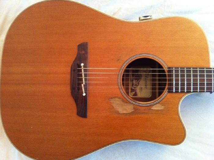 besoins d 39 aide pour choisir une guitare d butant guitare classique. Black Bedroom Furniture Sets. Home Design Ideas
