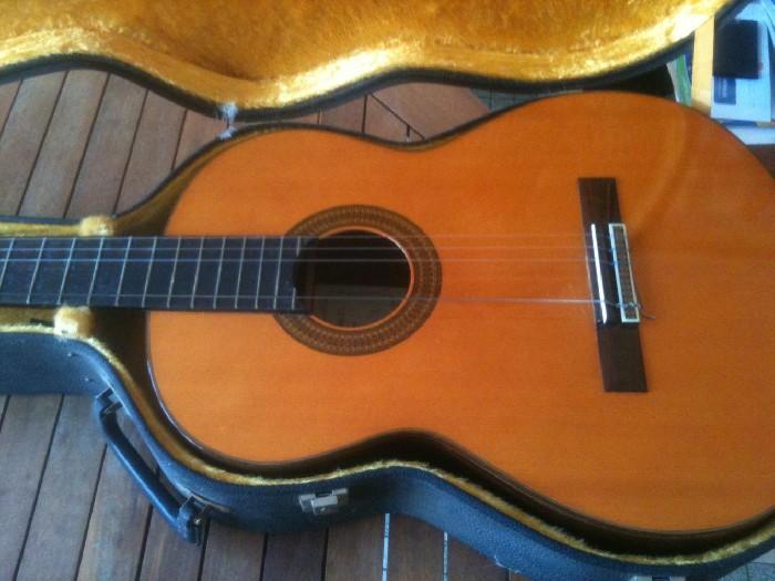 guitare classique gomez c2 vendre. Black Bedroom Furniture Sets. Home Design Ideas