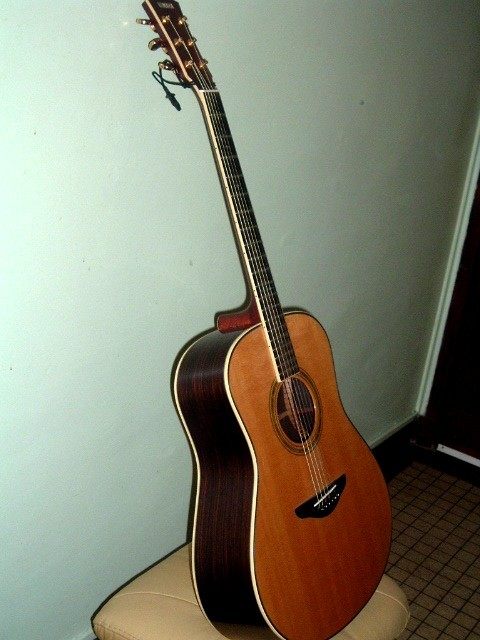 guitare folk lectro acoustique yamaha ll500 vendre. Black Bedroom Furniture Sets. Home Design Ideas
