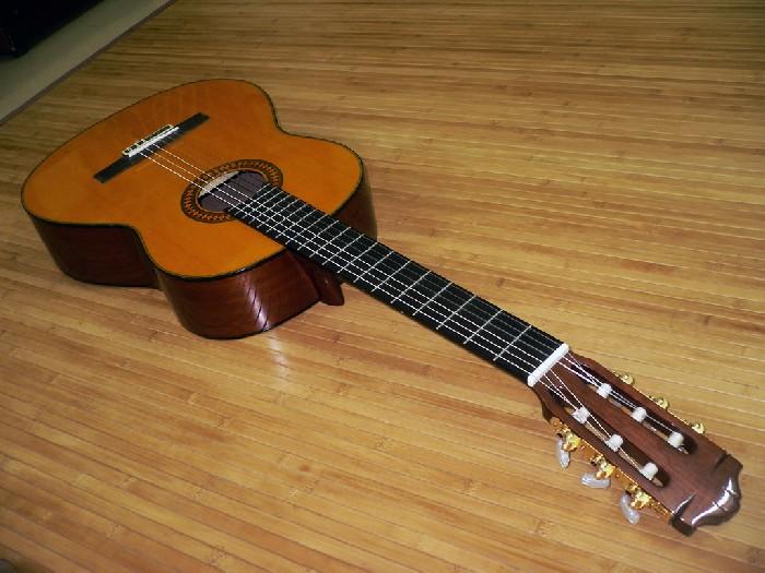 guitare classique yamaha c80 vendre. Black Bedroom Furniture Sets. Home Design Ideas