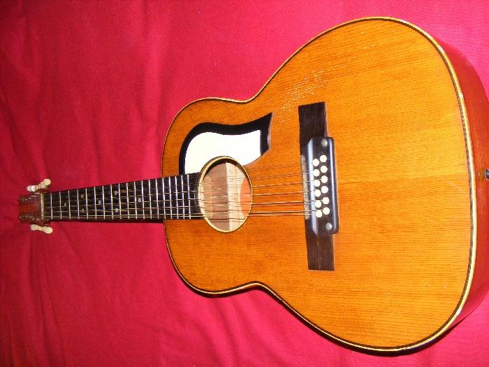 guitare classique vintage tatra twelve vendre. Black Bedroom Furniture Sets. Home Design Ideas