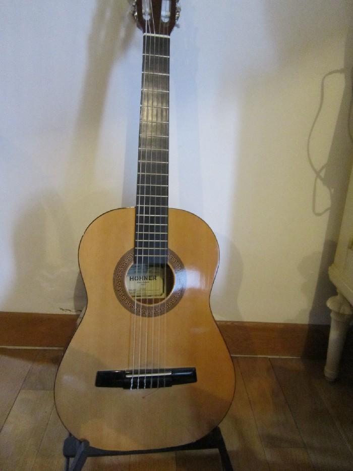 guitare classique h fner hc02 vendre. Black Bedroom Furniture Sets. Home Design Ideas