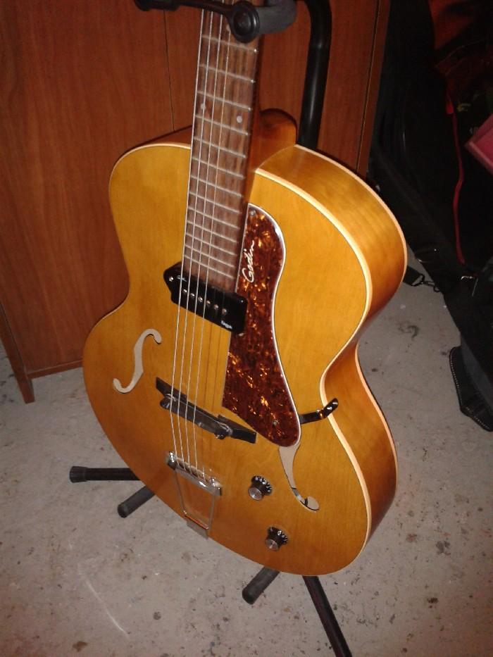 Guitare folk électro-acoustique Godin 5th avenue Kingpin ...