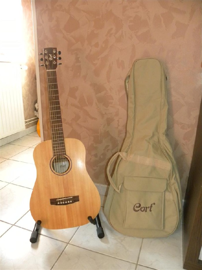 guitarra ac stica cort earth mini op en venta. Black Bedroom Furniture Sets. Home Design Ideas