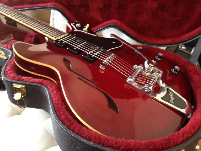 Guitare Yamaha Hollow Body