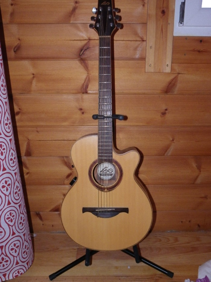 guitare classique lag 4s100bce vendre. Black Bedroom Furniture Sets. Home Design Ideas