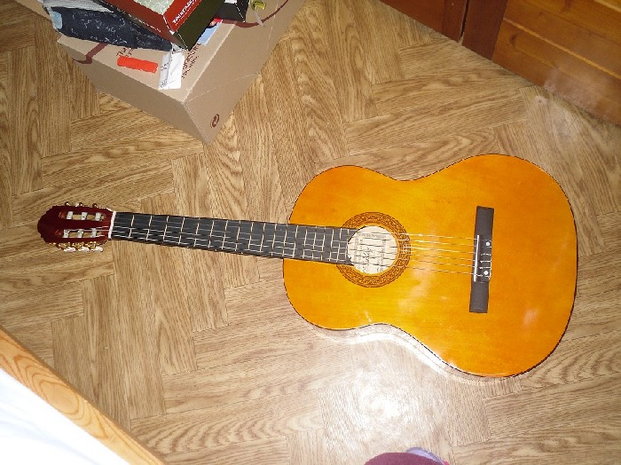 guitare classique ashley vendre. Black Bedroom Furniture Sets. Home Design Ideas