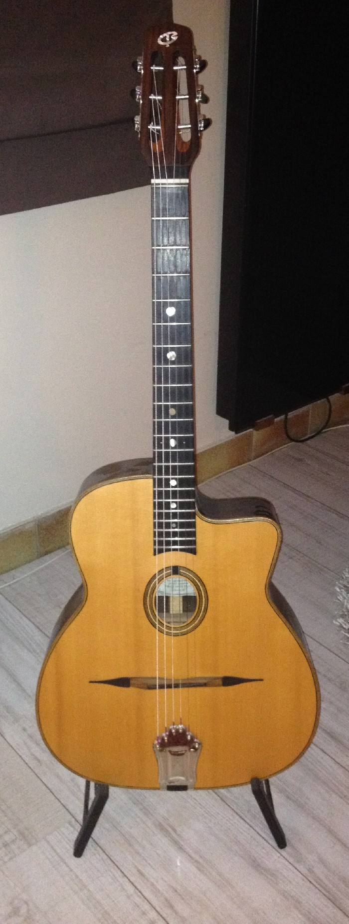 guitare classique gilles pourtoy n 94 vendre. Black Bedroom Furniture Sets. Home Design Ideas
