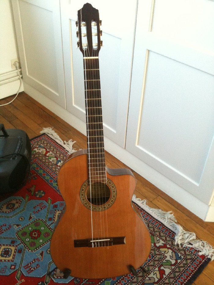 guitare lectro classique pan coup cordes nylon vendre. Black Bedroom Furniture Sets. Home Design Ideas