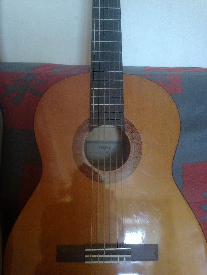 guitare classique yamaha c 40 a vendre. Black Bedroom Furniture Sets. Home Design Ideas