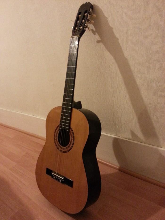 guitare classique guitare andalouse shc501 vendre. Black Bedroom Furniture Sets. Home Design Ideas