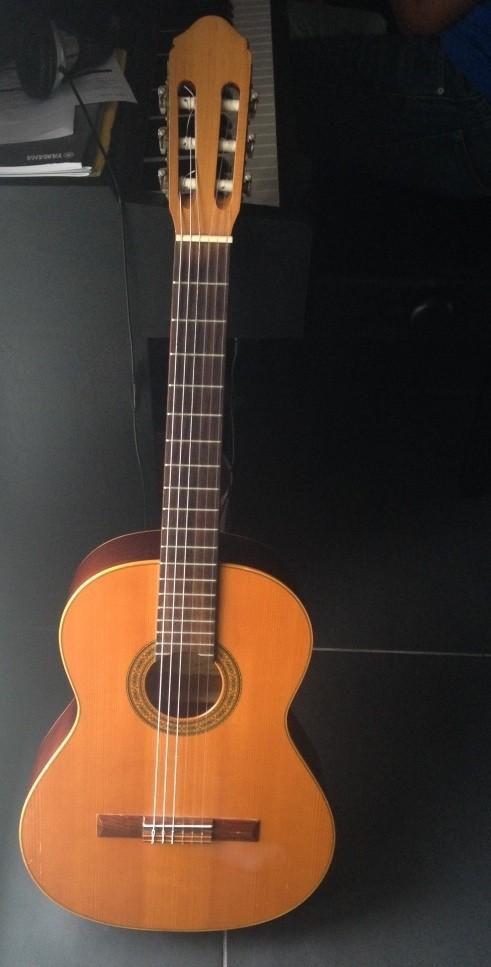 guitare classique raimundo vendre. Black Bedroom Furniture Sets. Home Design Ideas