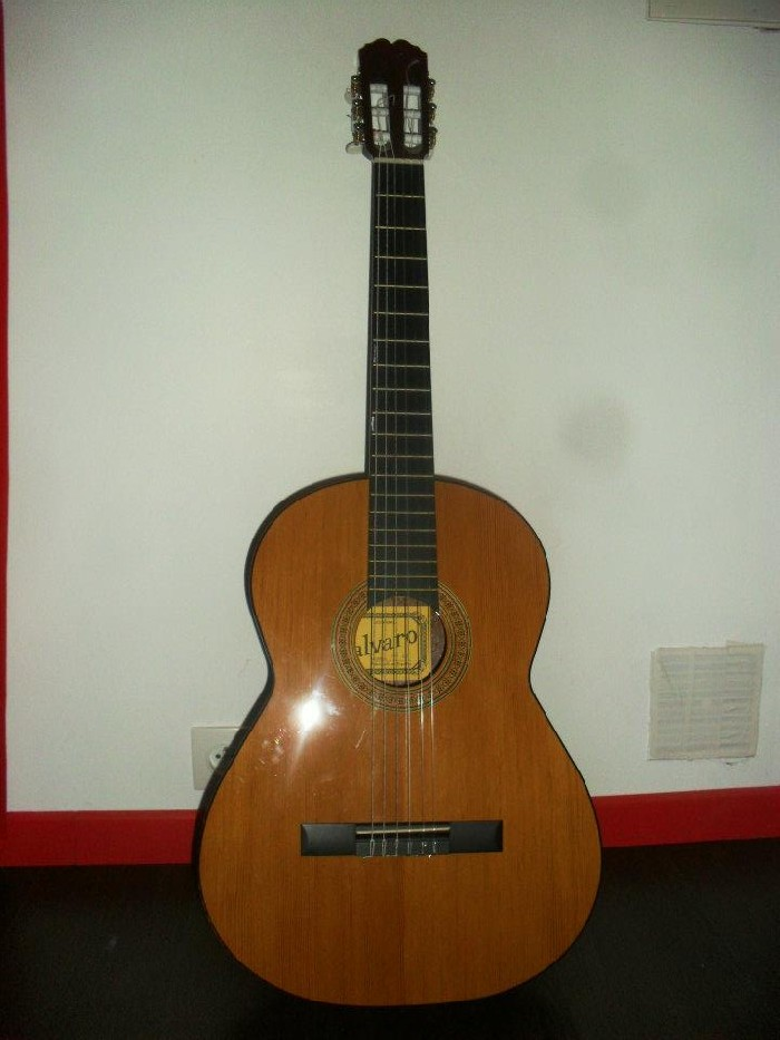 guitare classique alvarez vendre. Black Bedroom Furniture Sets. Home Design Ideas