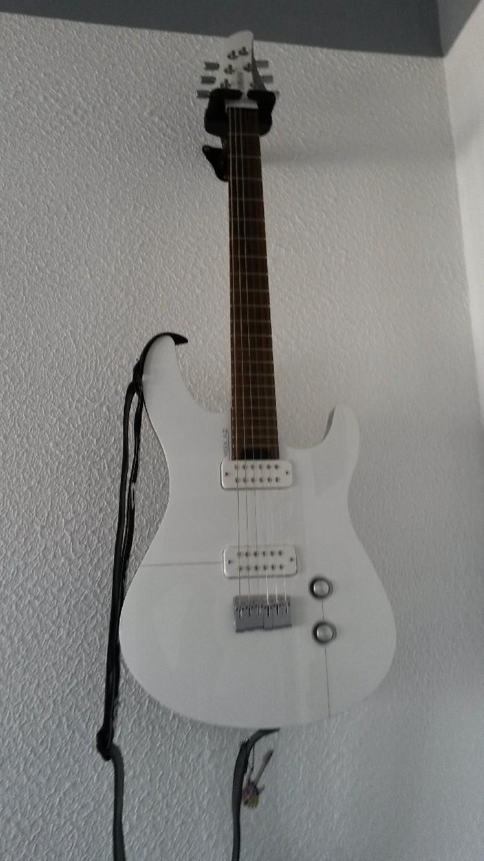 guitare lectrique solid body yamaha rgx a2 vendre. Black Bedroom Furniture Sets. Home Design Ideas