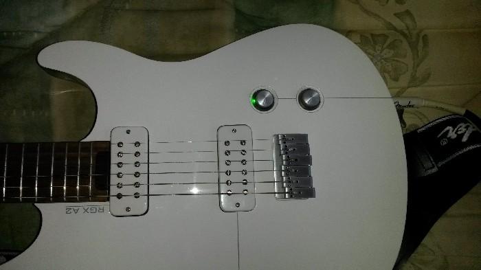Guitare électrique solid body Yamaha RGX A2 à vendre