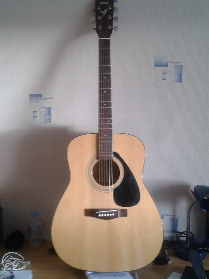guitare folk acoustique yamaha f310p vendre. Black Bedroom Furniture Sets. Home Design Ideas