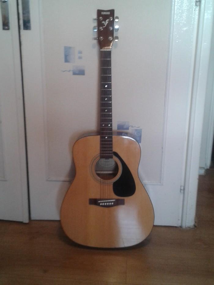 Guitare folk acoustique Yamaha F310p à vendre