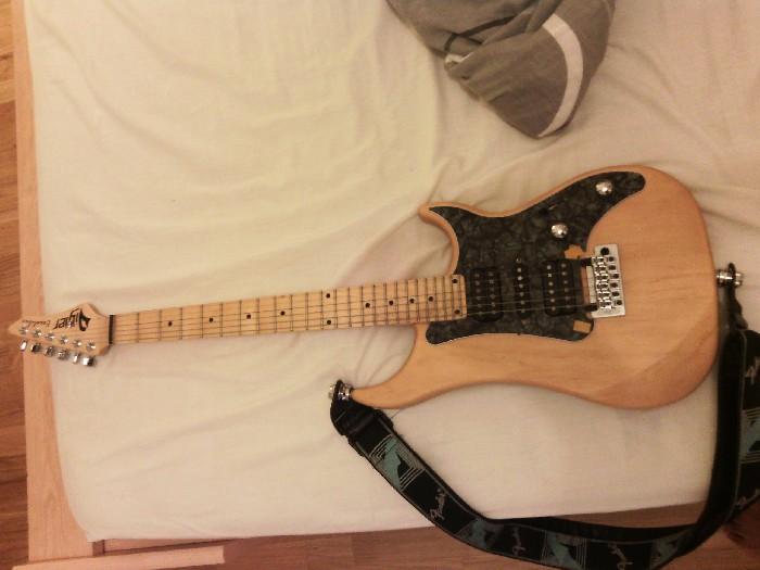 Guitare électrique solid body Vigier Excalibur Supra HSH à ...