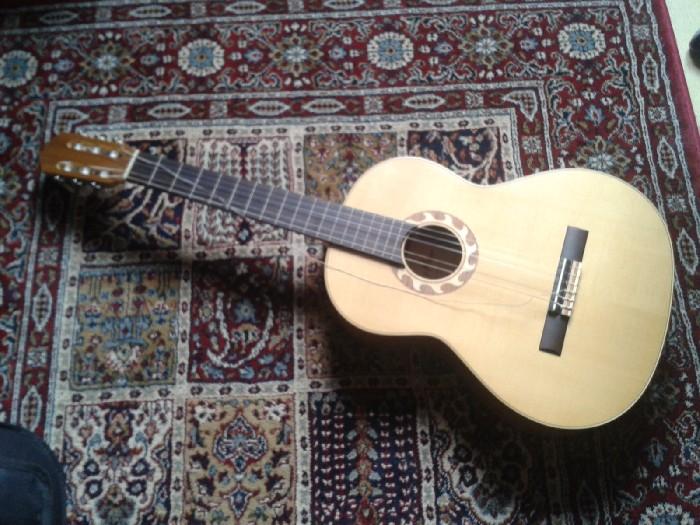 guitare classique santos y mayor vendre. Black Bedroom Furniture Sets. Home Design Ideas