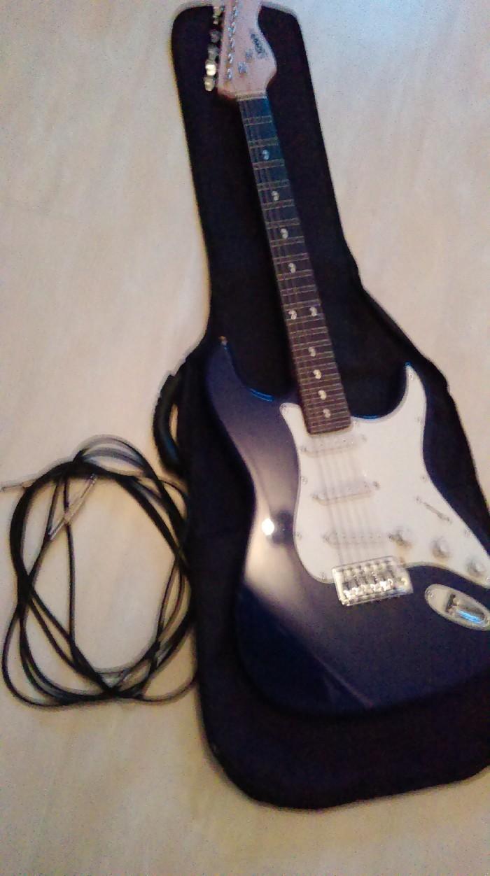 elektro klassieke gitaar te koop. Black Bedroom Furniture Sets. Home Design Ideas