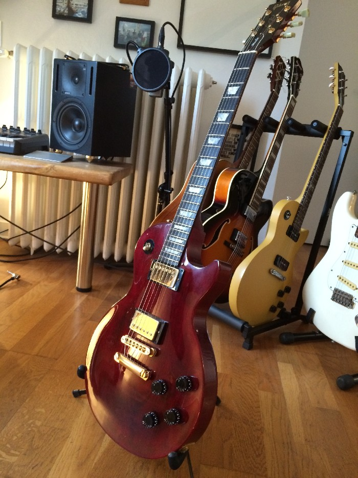 guitare lectrique solid body gibson les paul studio vendre. Black Bedroom Furniture Sets. Home Design Ideas