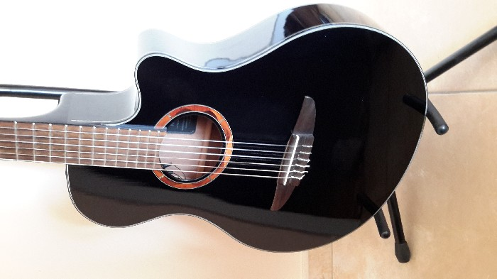 guitare folk lectro acoustique yamaha ntx700 black vendre. Black Bedroom Furniture Sets. Home Design Ideas