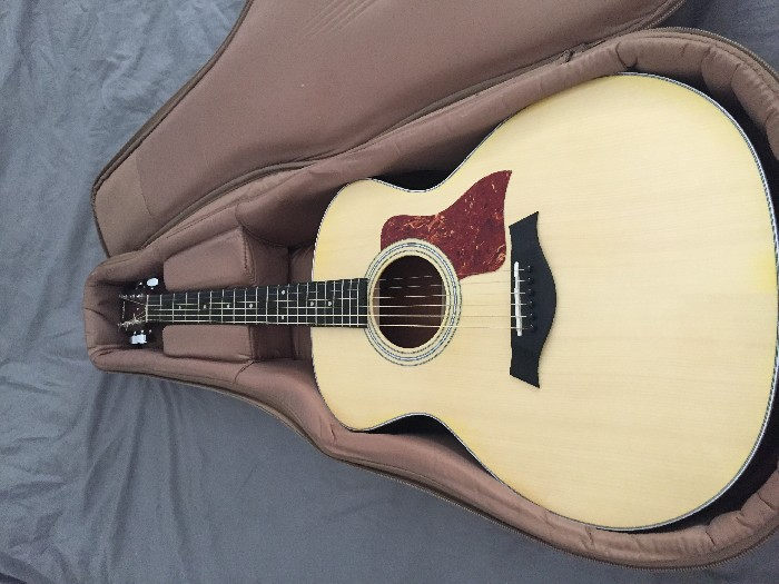 guitare folk lectro acoustique taylor grand auditorium. Black Bedroom Furniture Sets. Home Design Ideas