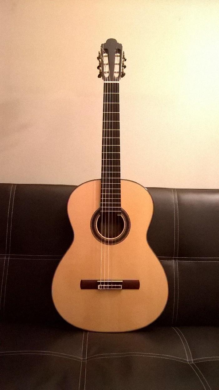 guitare classique paco santiago marin rare vendre. Black Bedroom Furniture Sets. Home Design Ideas