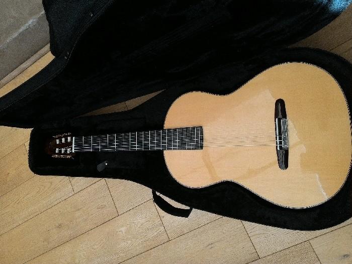 guitare classique de luthier