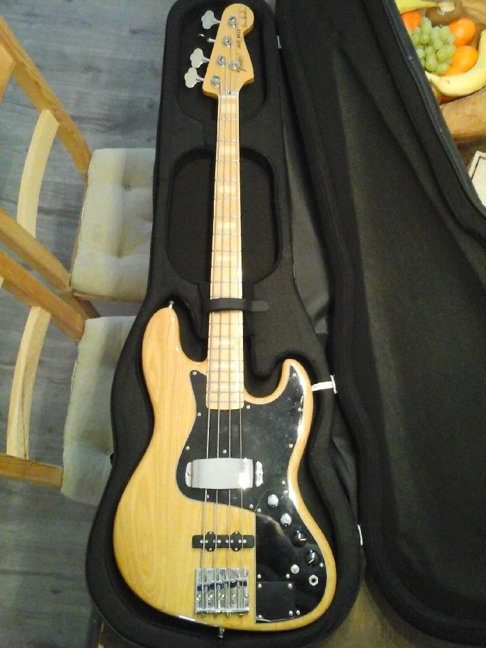 electric bass fender marcus miller signature for sale. Black Bedroom Furniture Sets. Home Design Ideas