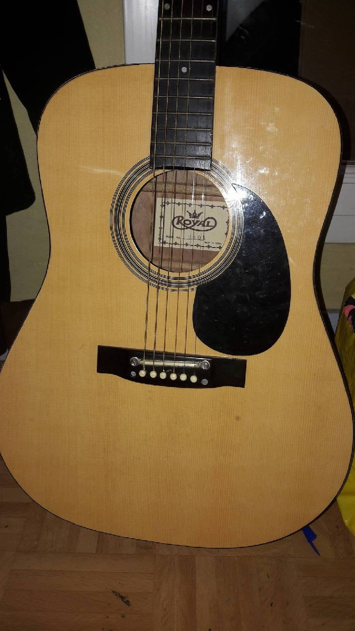 guitare classique fender royal vendre. Black Bedroom Furniture Sets. Home Design Ideas