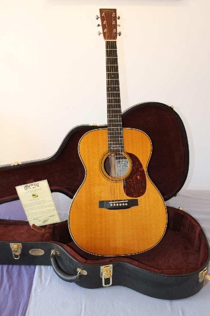 acoustic guitar martin 00028 ec eric clapton for sale. Black Bedroom Furniture Sets. Home Design Ideas