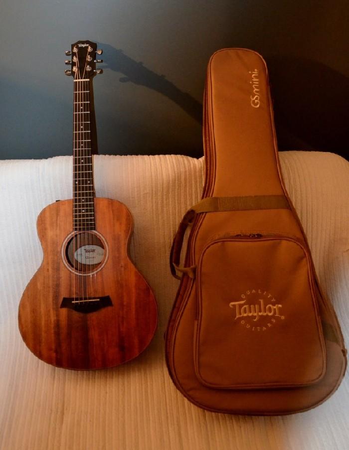 guitare folk lectro acoustique taylor gs mini e koa vendre. Black Bedroom Furniture Sets. Home Design Ideas