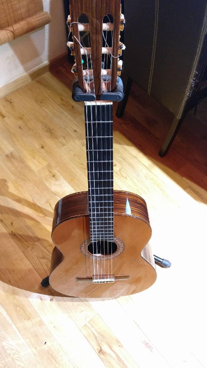 guitare classique alhambra 4p vendre. Black Bedroom Furniture Sets. Home Design Ideas