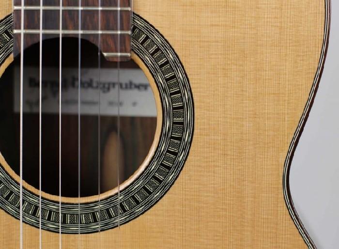 guitare classique 2014 cedar double top bernd holzgruber vendre. Black Bedroom Furniture Sets. Home Design Ideas