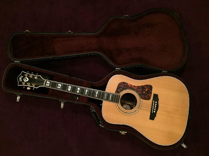 Electro-acoustic guitar Guild D55 for sale