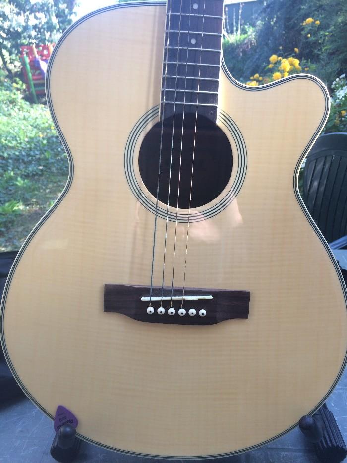Guitare folk acoustique stol vendre for Housse guitare acoustique
