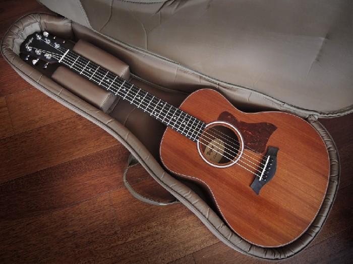 guitare folk lectro acoustique taylor gs mini acajou vendre. Black Bedroom Furniture Sets. Home Design Ideas